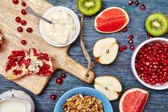 Плодоовощи и ягоды для фруктового салата стоковые фотографии rf