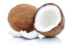 Плодоовощи половины плодоовощ кокосов кокоса изолированные на белизне Стоковая Фотография