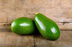 Плодоовощ авокадоа на деревянной предпосылке Стоковое Фото