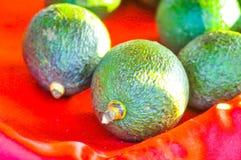 Плодоовощ авокадоа на таблице Стоковые Изображения RF