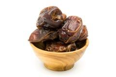 Плодоовощ высушенных дат в деревянном шаре Стоковые Изображения RF