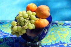 Плодоовощ в шаре синего стекла Стоковая Фотография