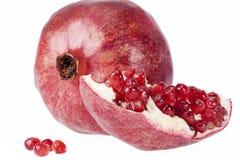 Плодоовощ красного гранатового дерева на белой предпосылке Стоковое Изображение RF