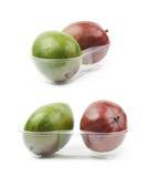 2 плодоовощ манго в пластичном случае Стоковая Фотография RF