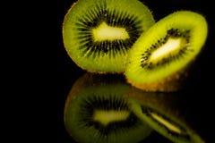 плодоовощ предпосылки близкий изолировал киви над поднимающей вверх белизной Стоковая Фотография RF