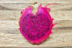 Плодоовощ дракона формировал как сердце Стоковое Фото