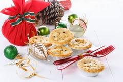 Плодоовощ рождества семенит пирог над предпосылкой wtite Стоковое Изображение RF