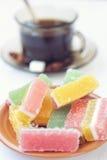плодоовощ формы цитруса конфет предпосылки изолировал дольки студня студней белые Стоковые Изображения