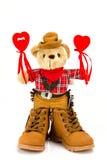 Плюшевый медвежонок и красные сердца на белой предпосылке Стоковые Фото