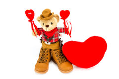 Плюшевый медвежонок и красные сердца на белой предпосылке Стоковое фото RF