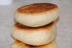 Плюшка хлеба на верхней части кухни Стоковые Фотографии RF