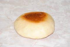 Плюшка хлеба на верхней части кухни Стоковые Изображения