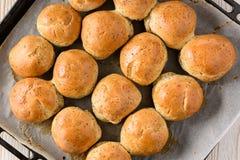 Плюшки домодельного хлеба с маковыми семененами Стоковые Фото
