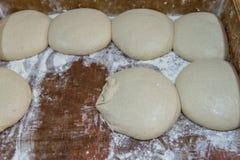 Плюшки перед печь в печи Стоковая Фотография RF