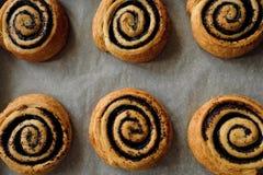 Плюшки печенья слойки с маковыми семененами сладостными Стоковая Фотография RF