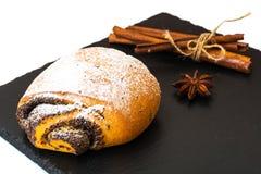 Плюшки с маковыми семененами и сахаром замороженности Стоковое Изображение