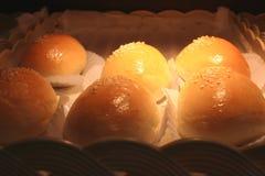 Плюшки хлеба с семенами сезама Стоковые Фотографии RF