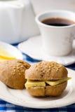 Плюшки Rye с сыром для завтрака Стоковые Фото