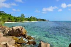 Пляжи гранита скалистые на островах Сейшельских островов, Ла Digue, Anse Seve Стоковые Изображения