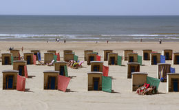 Пляжные домики на пляже в Katwijk в Нидерланд Стоковые Фотографии RF