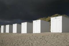 Пляжные домики стоковые изображения rf