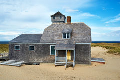 Пляжный домик на треске накидки Стоковые Фотографии RF
