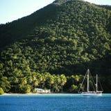 Пляжный домик & яхта Стоковое Изображение
