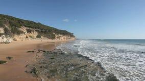 Пляж Атлантического океана в Испании акции видеоматериалы