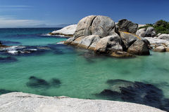 Пляж валунов Стоковые Изображения