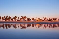 Пляж Венеции отражения океана захода солнца, CA Стоковая Фотография RF