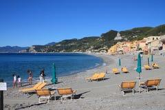 Пляж взгляда Varigotti от пристани Стоковые Изображения RF