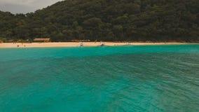 Пляж вида с воздуха красивый на тропическом острове Остров Филиппины Boracay акции видеоматериалы