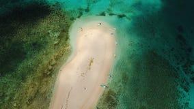 Пляж вида с воздуха красивый на тропическом острове Остров Siargao, Филиппины видеоматериал