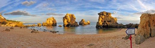 Пляж в Алгарве, Португалии Стоковое Изображение RF