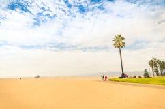 Пляж в ярком солнечном дне - взморье Венеции Лос-Анджелеса Стоковое фото RF