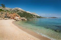 Пляж в Krk, Хорватии Стоковое Изображение