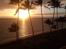 Пляж Гавайских островов восхода солнца Стоковая Фотография