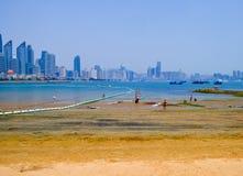 Пляж города Qingdao купая Стоковое Изображение
