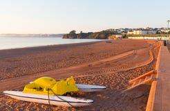 Пляж Девон Англия Pedalo Goodrington стоковая фотография