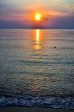 Пляж захода солнца, Таиланд Стоковые Изображения RF