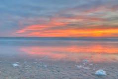 Пляж захода солнца Стоковые Изображения RF