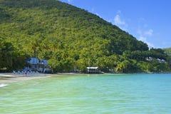 Пляж залива сада тросточки в Tortola, карибском стоковая фотография rf
