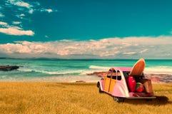 пляж и автомобиль Форментеры стоковые изображения