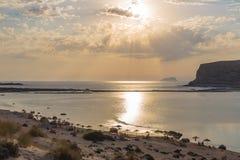 Пляж и лагуна Balos во время захода солнца, префектуры Chania, западного Крита, Греции Стоковые Фотографии RF