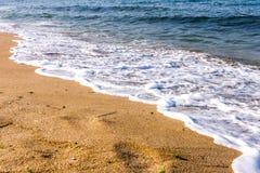 Пляж и волна песка Стоковые Изображения