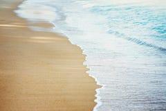 Пляж и волна песка Стоковые Фотографии RF