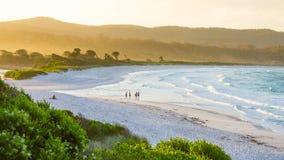 Пляж и горы Стоковое Изображение