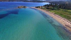 Пляж и изумительная сцена моря акции видеоматериалы