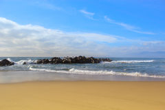Пляж и океан island tropical стоковые фотографии rf