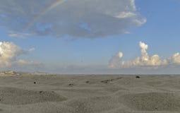 Пляж и песок Стоковые Изображения